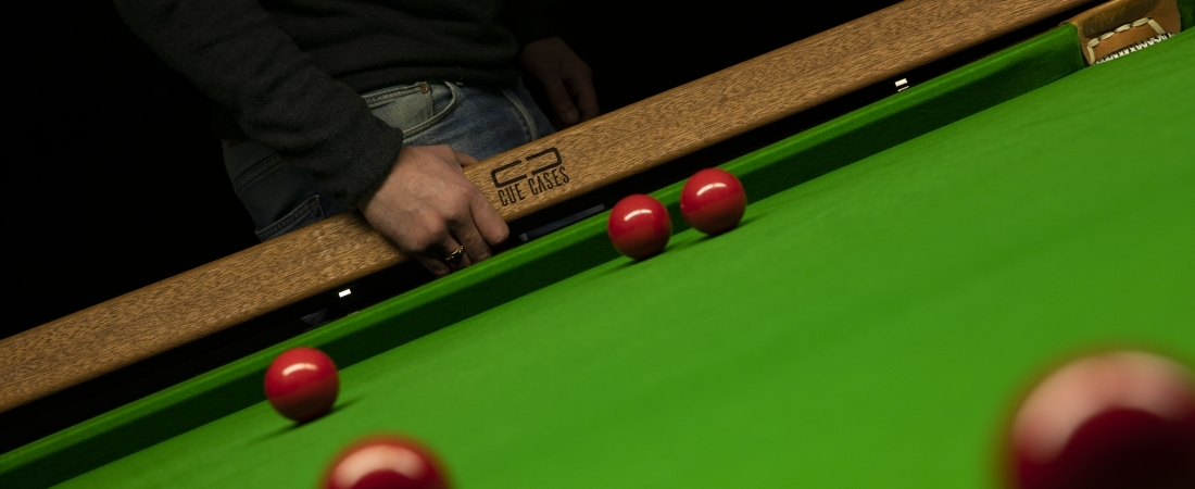 What's the Difference Between Pool and Snooker Cues?